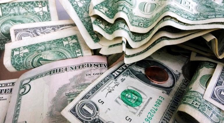 Dólar ya bajó a menos de 19 pesos
