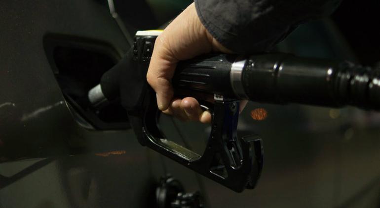 Gasolinera o gasolinería? Esto dice la Academia — Cómo se dice