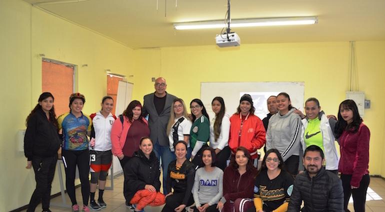 Imparte José Luis Arroyos Plática Motivacional A Estudiantes