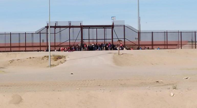 Migrantes colapsan frontera de México-EU con cifras récord en 2019