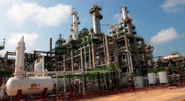 Estas firmas podrían construir la refinería en Dos Bocas