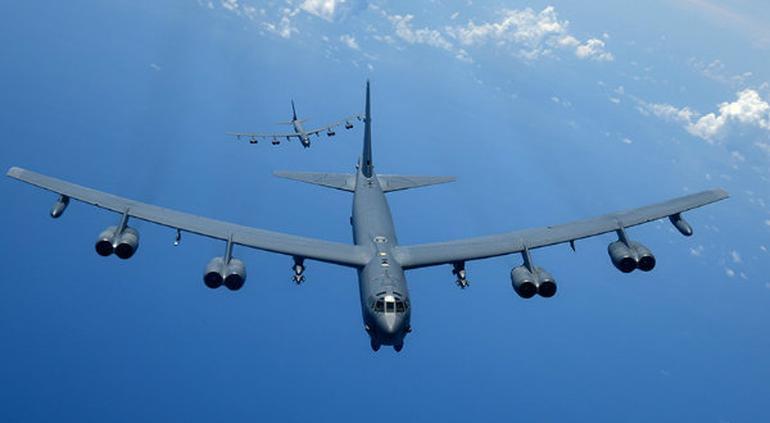 Impiden rusos que aviones bombarderos de EU se acerquen a su frontera