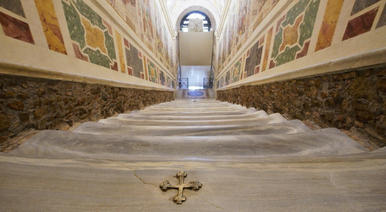 ¡Histórico! Vaticano muestra sin protección la