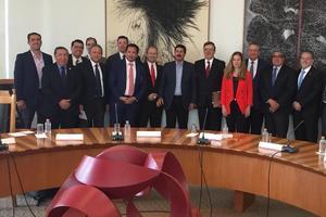 Relacionada reunion-gobernador-y-empresarios-con-marcelo-ebrad-8.jpeg