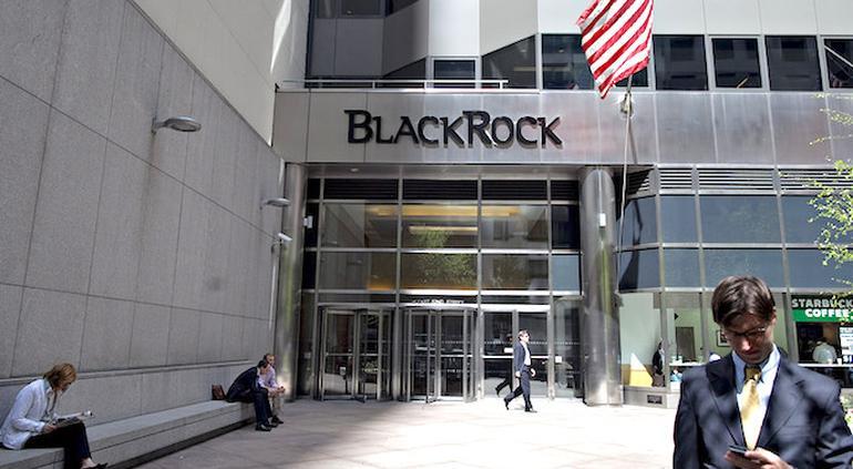 BlackRock dice estar preparada para asociarse en obras de infraestructura en México