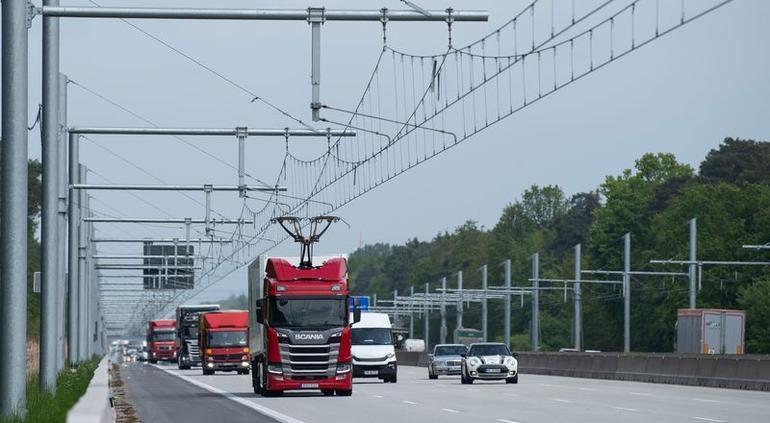 Camiones híbridos ya tienen su primera autopista