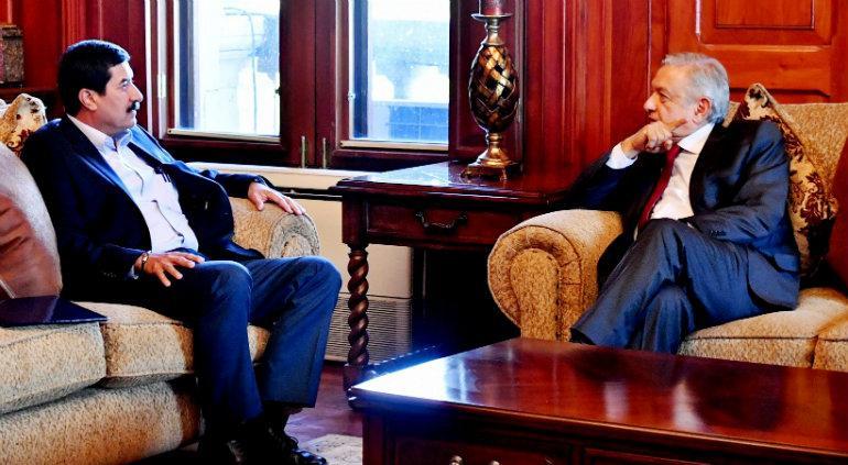 López Obrador pide a Slim no cerrar mina