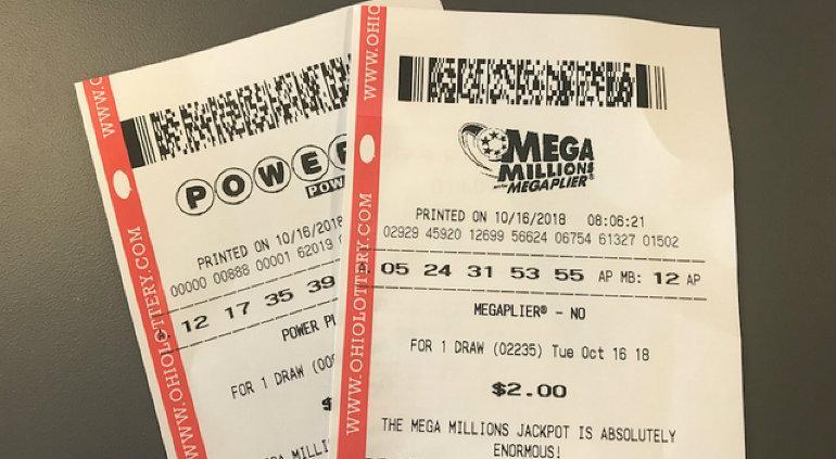 Ganó la lotería y ahora debe compartir la mitad con su ex