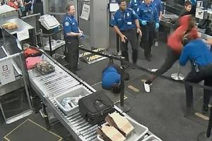 Relacionada joven-golpea-a-agentes-de-tsa-en-aeropuerto-de-phoenix.jpg