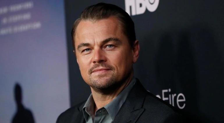 Será un Meme: Leonardo DiCaprio recibió un balonazo en la cara