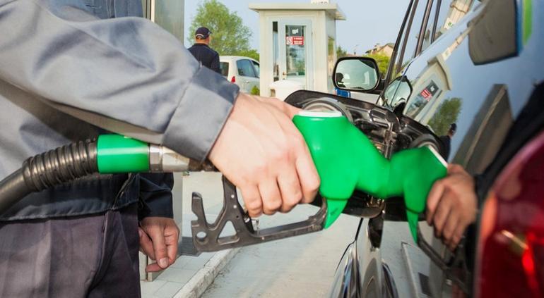Hacienda aumenta estímulos para las gasolinas Magna y Premium