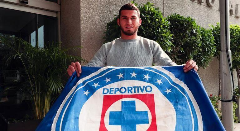 Demandarán a Cruz Azul por contratación de Juan Escobar