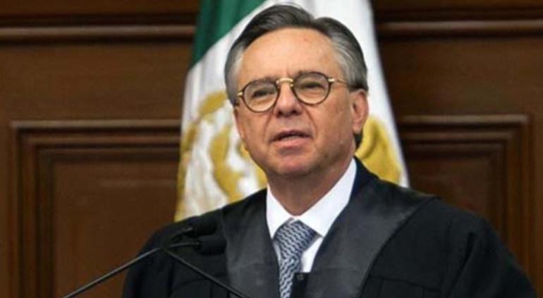 López Obrador acepta la renuncia de Medina Mora a la Suprema Corte