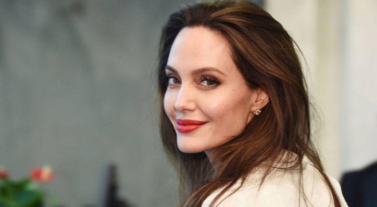 Angelina Jolie habla de su separación con Brad Pitt: Me sentía insignificante