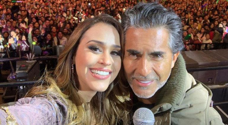 Yanet García, si tiene una relación Raúl Araiza; amigo de la pareja