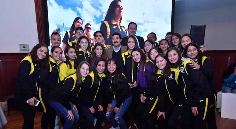 Entrega Javier Corral premios a deportistas chihuahuenses - El Tiempo de México
