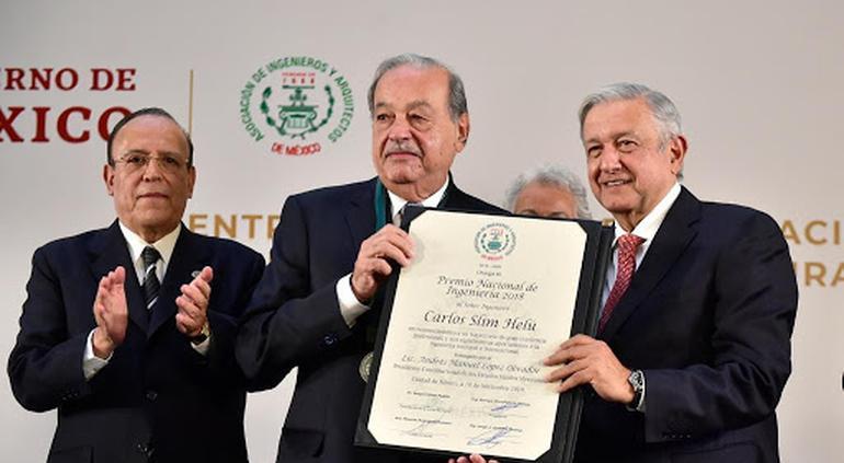 Carlos Slim recibe el Premio Nacional de Ingeniería