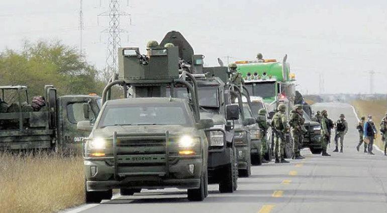 Sicarios ocultos entre la maleza atacan a militares; hay 11 muertos — Policiaca