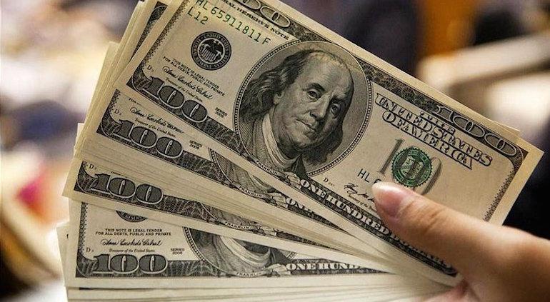 El dólar blue volvió a subir 70 centavos a $78,70