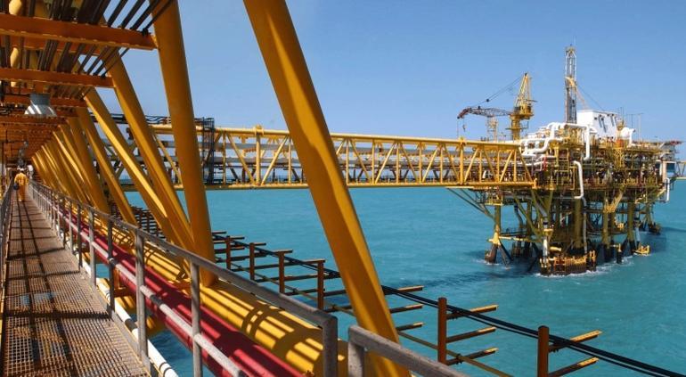 Mezcla mexicana de petróleo cae a 10.37 dólares por barril