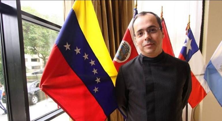 Guaidó aceptó la renuncia de JJ Rendón y Sergio Vergara