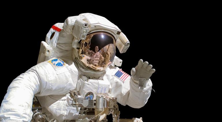NASA autoriza el primer vuelo tripulado de SpaceX