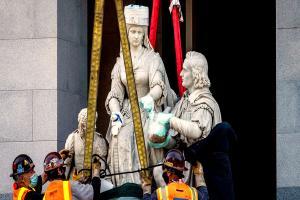Relacionada cristobal-estatua-removida-1.jpg