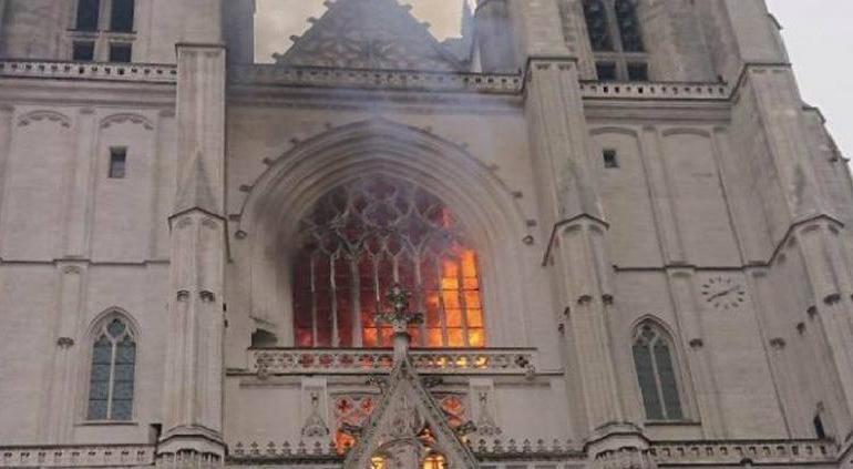 Un voluntario confesó su responsabilidad en el incendio de Nantes