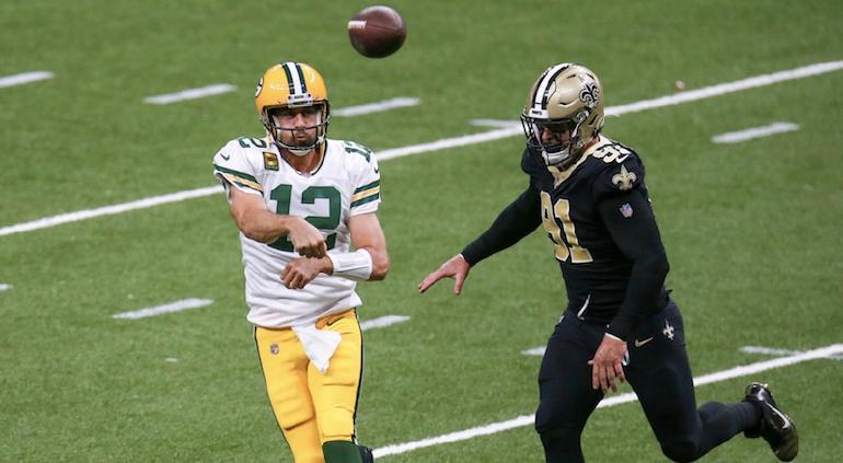 Rodgers y Packers derrotan a los Saints para mantenerse invictos