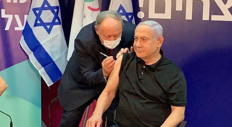 Israel: Netanyahu se vacunó contra el coronavirus en vivo