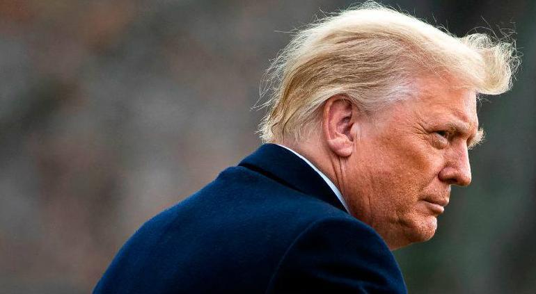 Trump indulta a más aliados, incluido el padre de Jared Kushner