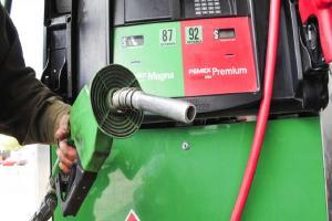 Relacionada magna-premium-diesel-gasolina-mezclar-combustible-auto-tanque-lleno-e1542405066936-1.jpg