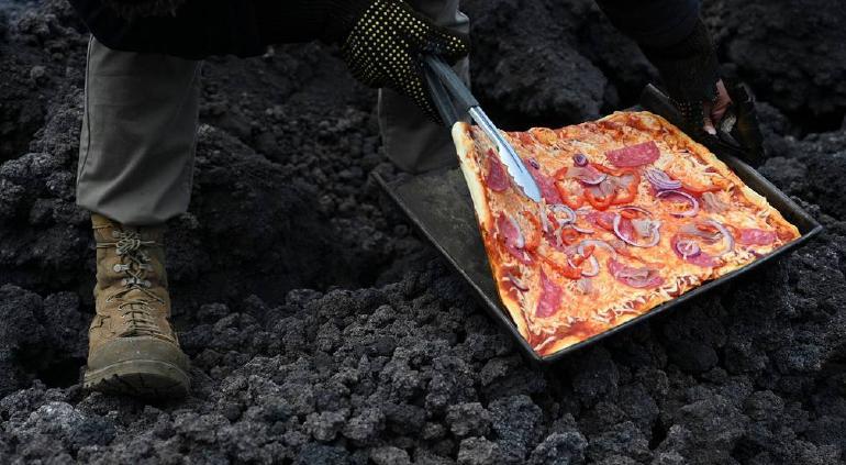 Guatemala: viralizan horneo de pizza sobre ¡lava de volcán! 🎦 | Puente  Libre