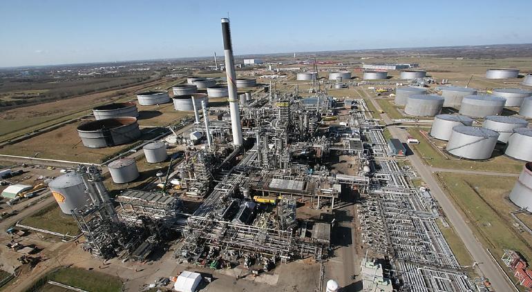 Pemex compra una refinería de Shell en Texas; garantiza autosuficiencia