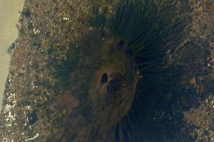 Relacionada volcan-ediatda.jpg